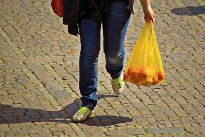 noticia-min.-ambiente-impuesto-a-la-bolsa-plastica.30-06-2017..jpg
