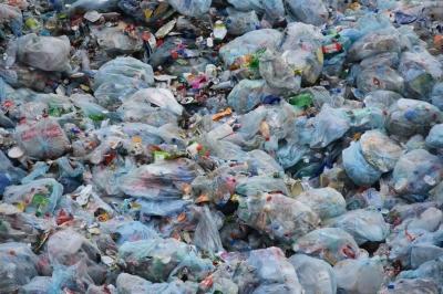 noticia-uso-de-bolsas-plasticas-en-kenia.-29-08-2017..jpg